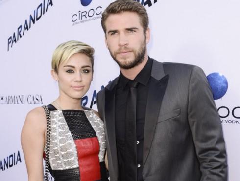 Miley đang có bắt đầu năm mới 2016 đầy thuận lợi không chỉ trong công việc. Cô vừa hàn gắn với bạn trai cũ Liam Hemsworth.