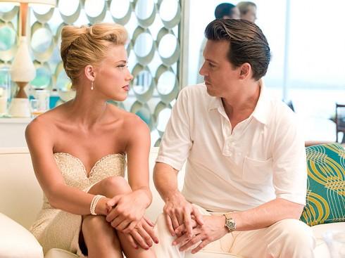 Họ gặp nhau khi cùng hợp tác trong phim The Rum Diary (2011).