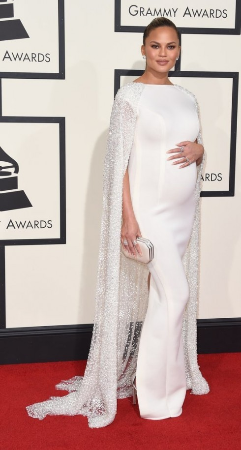 Chrissy-Teigen-Grammy-bestdressed-2016