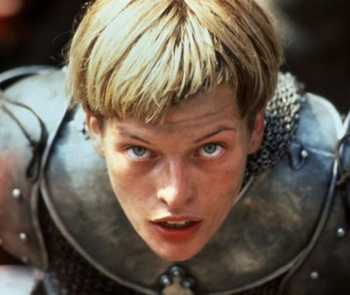 """những nhà làm phim của """"The Messenger"""" đã xuất sắc thành công trong việc diễn tả một cách sống động tính cách mạnh mẽ, niềm tin quyết đoán và thần thái của nhân vật nữ trong câu chuyện, diễn xuất chính bởi Milla Jovovich."""
