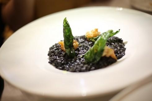 Sự kết hợp hài hòa giữa các thành phần trong món ăn nhưng vẫn toát lên được hương vị tự nhiên.