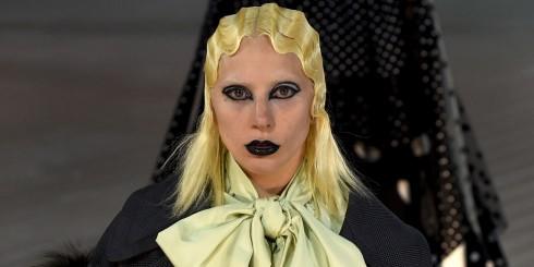 Ca sĩ Lady Gaga biểu diễn catwalk tại show Marc Jacobs