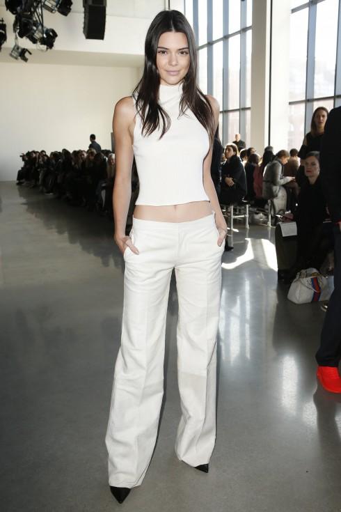 Người mẫu Kendall Jenner tại show diễn Calvin Klein