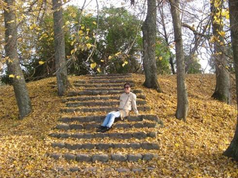 du lịch châu âu phần 1 - đường mòn lá vàng lâu đài cổ Trakai - elle vietnam