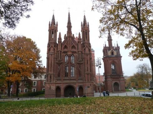 du lịch châu âu phần 1 - nhà thờ Vilnius - elle vietnam