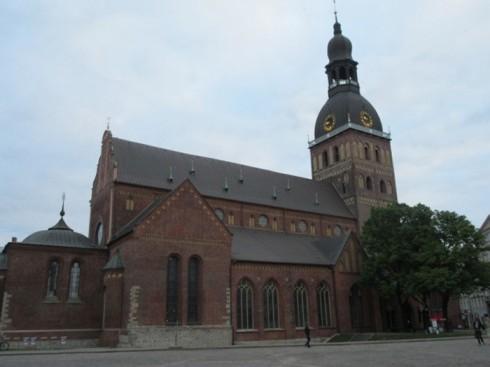du lịch châu âu phần 1 - nhà thờ lớn Riga - elle vietnam
