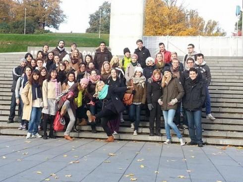 du lịch châu âu phần 1 - sinh viên các nước - elle vietnam