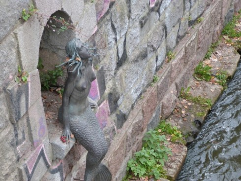 du lịch châu âu phần 1 - tượng nàng tiên cá - elle vietnam