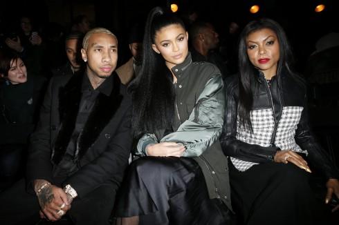 Rapper Tyga, người mẫu Kylie Jenner và diễn viên Taraj P.Henson tại show diễn Alexander Wang