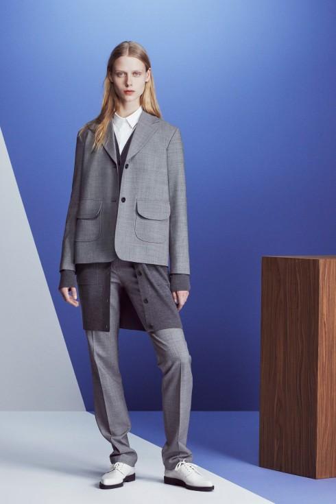 Một mẫu suits xám nhạt của Jill Sander