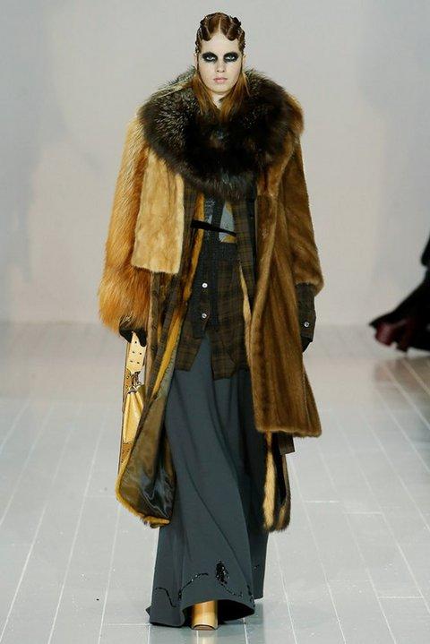 Phối lông độc đáo trong một thiệt kế của Marc Jacobs