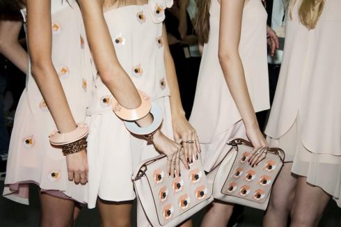 Những chiếc túi xách ấn tượng ở tuần lễ thời trang Milan Thu  Đông 2016