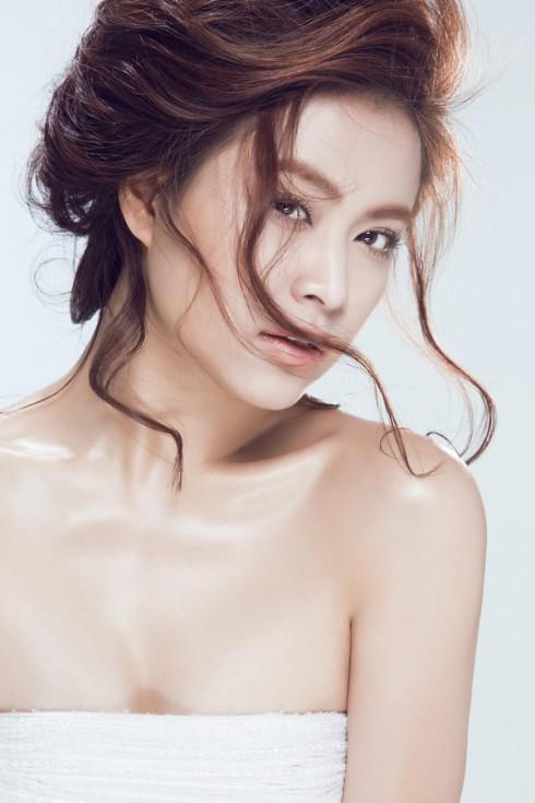 Hoàng Thùy Linh ngày càng xinh đẹp quyến rũ