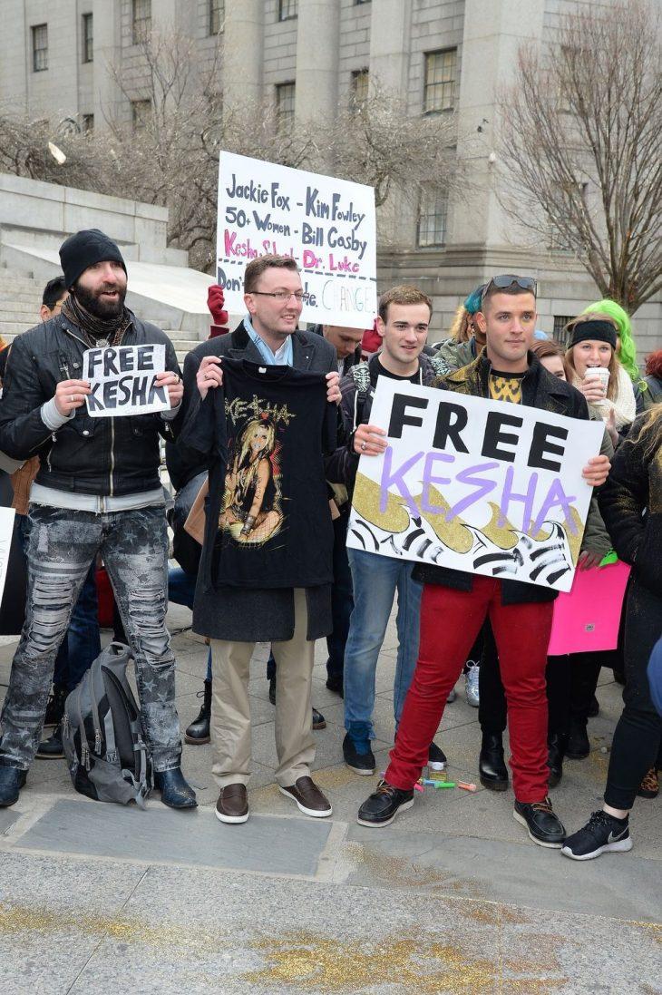 Kesha suy sup tại phiên tòa sau khi nghe phán quyết thua kiện