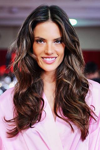 Những cách dưỡng tóc uốn giúp giữ nếp lâu