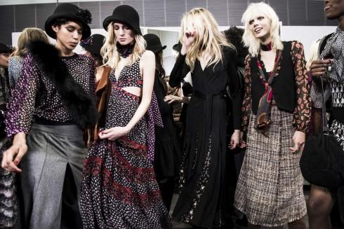 Tất cả đều mặc trên người những thiết kế lấp lánh mới nhất của Diane Von Furstenberg