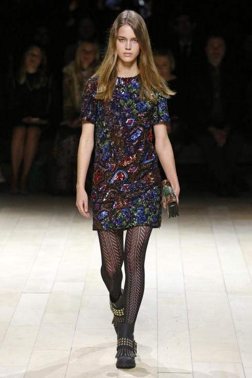 Một số mẫu ấn tượng trong BST Thu-Đông của Burberry London Fashion Week 2016