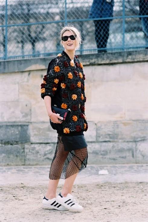 Bạn nên kết hợp các phong cách thời trang khác nhau để tạo nên một vẻ ngoài thời thượng.