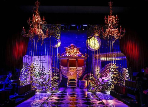 Sân khấu cổ tính của Dolce & Gabbana tại Tuần lễ thời trang Milan Thu-Đông 2016/17