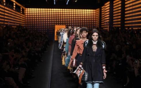 BST Thu-Đông 2016/17 của Fendi tại Tuần lễ thời trang Milan vừa qua