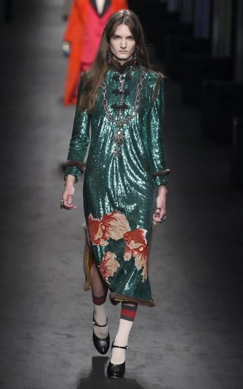 Xu hướng thời trang lấy cảm hứng từ hoạ tiết sườn xám  từ Trung Quốc của Gucci