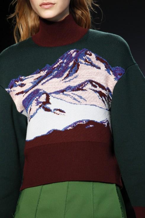 Chiếc áo len dệt hoạt tiết núi băng của Pucci