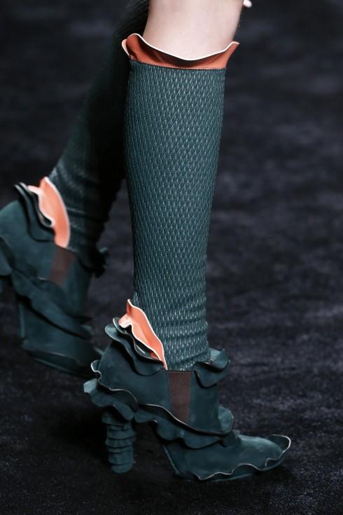 Một mẫu giày ruffles từ Fendi
