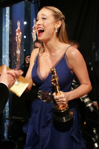 Những khoảnh khắc đẹp tại hậu trường giải Oscar 2016