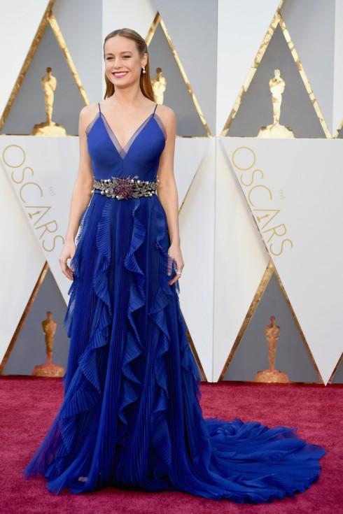 Brie Larson được đề cử giải  Best Actress trong bộ phim Room, cô diện mẫu đầm dạ hội của Gucci.