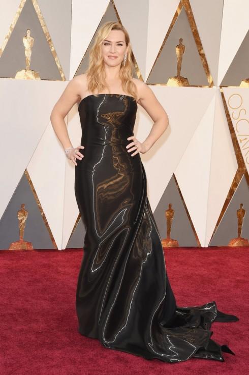 Mẫu thiết kế gây nên tin đồn mang bầu của Kate Winslet.