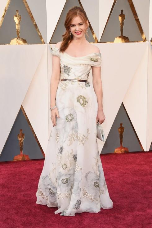 Cũng diện đầm Marchesa, Isla Fisher nữ tính với đầm dài thêu hoa