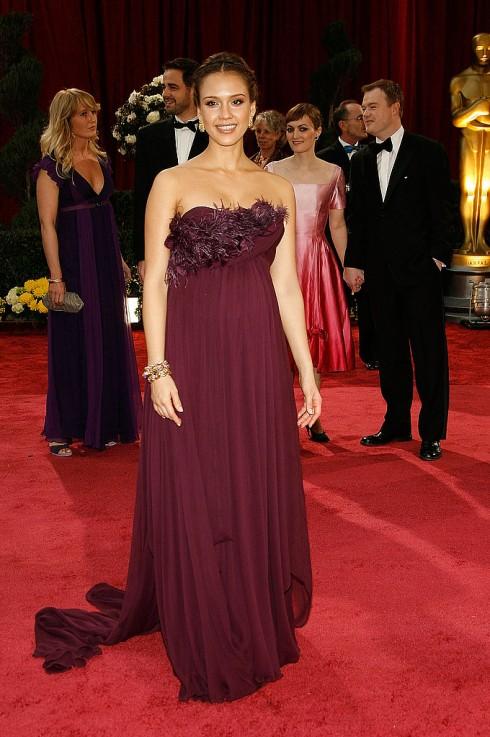 Jessica Alba trong mẫu thiết kế cảu Machesa tại lễ trao giải Oscar 2008