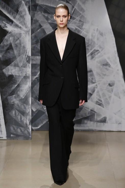 Xu hướng thời trang của những bộ suits quyền lực trong thiết kế của Jil Sander