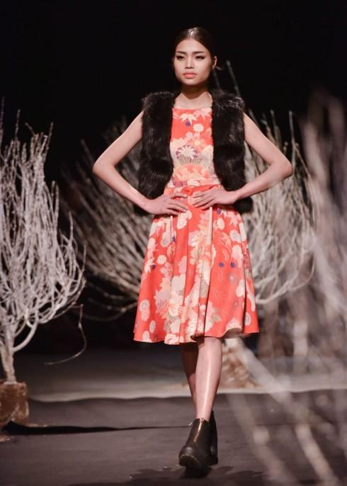 Ngọc Hân mang Nhật Bản đến Tuần lễ thời trang Việt Nam Thu Đông