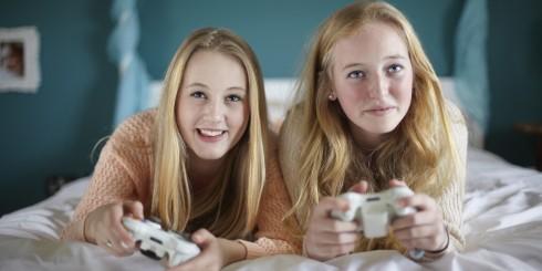 Phụ nữ chơi game