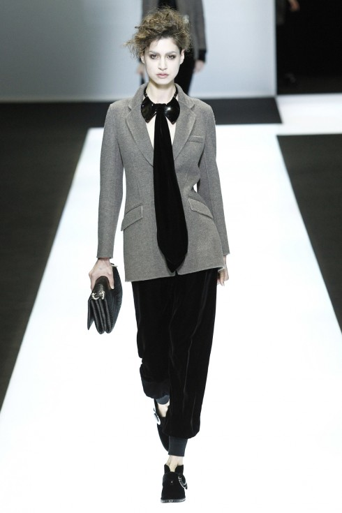 Một thiết kế suits khác trong BST của Giorgio Armani