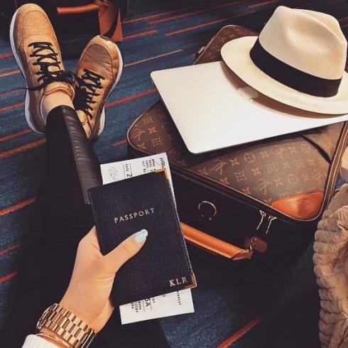 Dù là đi nội địa hay nước ngoài chúng ta đều nên chuẩn bị thật tốt một số điều nho nhỏ để đảm bảo mình có một chuyến bay thoải mái và dễ chịu nhất.
