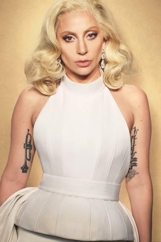 Lady Gaga khoe hình xăm mới cổ vũ nạn nhân bị xâm hại tình dục