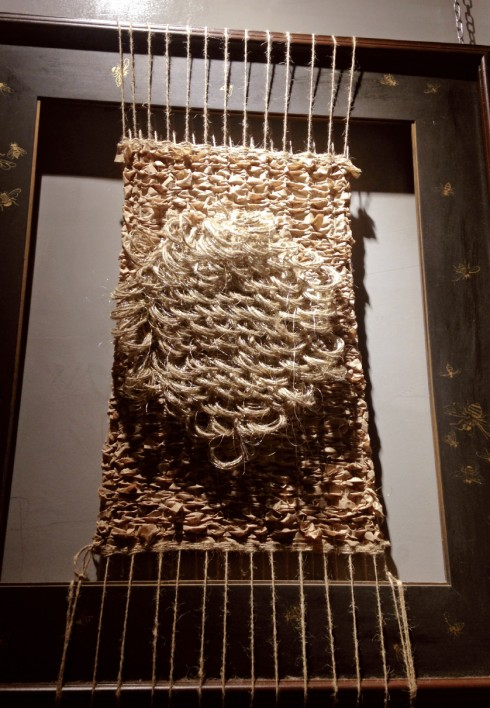 Triển lãm nghệ thuật sắp đặt: Tình yêu chất liệu - ELLE.VN