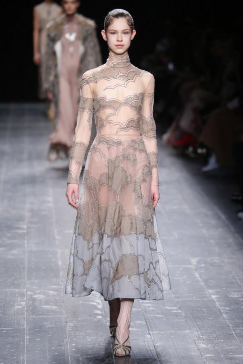 Một mẫu váy đẹp như mơ trong BST Thu-Đông của Valentino
