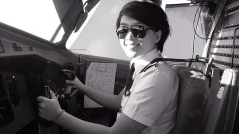Đam mê với nghề phi công, Kim Châu phải nỗ lực hết mình.