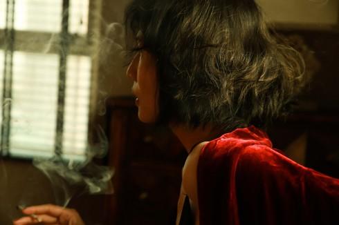 """Chân dung NTK Li Lam """"hoang dại và đàn bà"""" - ELLE.VN"""