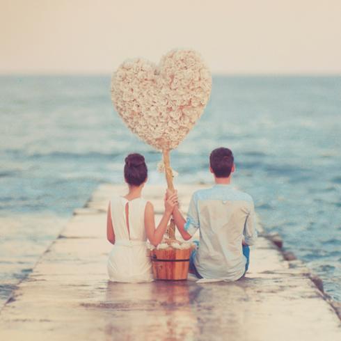 Khi vui tình yêu rất đẹp, khi buồn tình yêu rất xấu vì những cảm xúc tiêu cực mà nó gây ra