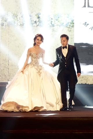 Choáng ngợp không gian dạ tiệc cưới Victor Vũ & Đinh Ngọc Diệp