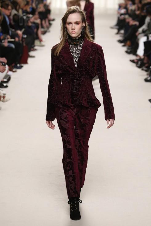 Bộ suits nhung đỏ sang trọng của Lanvin