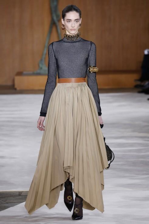 Chân váy xếp li từ Loewe
