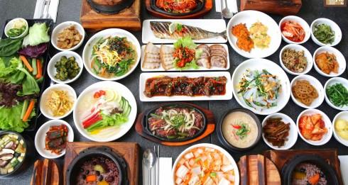 """: """"Lễ hội ẩm thực Hàn Quốc"""" diễn ra tại khách sạn Crowne Plaza West Hanoi từ 25 đến 31 tháng Ba năm 2016."""