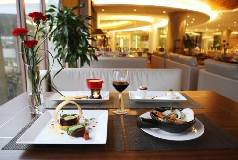 , nhà hàng La Cheminée thiết kế 5 món ăn tinh tế với phương thức chế biến đầy sáng tạo.