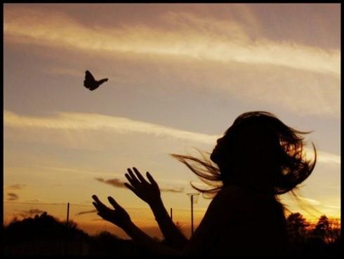 """""""Tình yêu thương thực sự không so đo tính đếm, nó chỉ biết nhẫn – nại – cho – đi"""""""