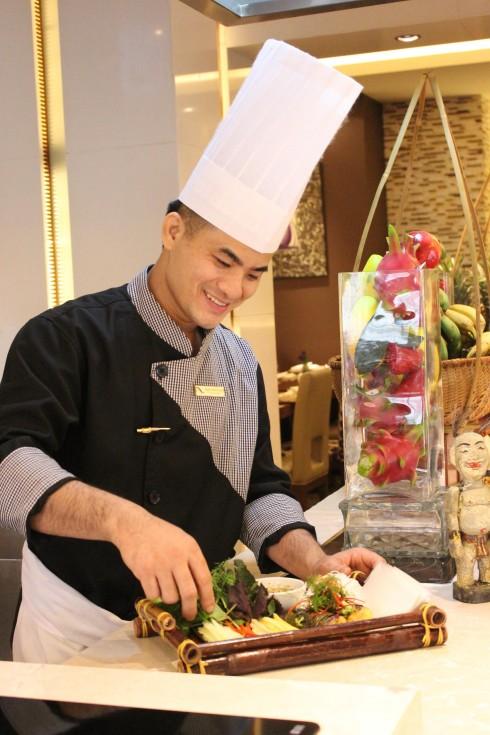 Anh Nguyễn Minh Nguyện - Bếp trưởng  điều hành mới của khách sạn